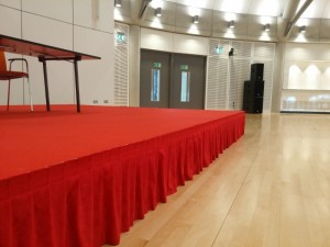 red stage valance lh-800x600